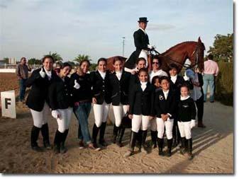 Escuela Hípica en Lepe ( Huelva ). Montar a Caballo