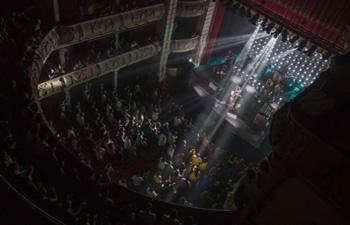 Gran Teatro cuelgan el no hay billetes