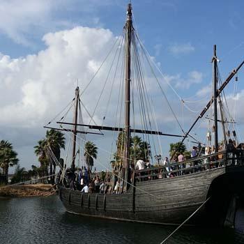 Tarta de 80 kilos y 2 metros por uno y medio -Muelle de las Carabelas