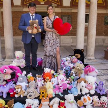 120 peluches para los niños hospitalizados.