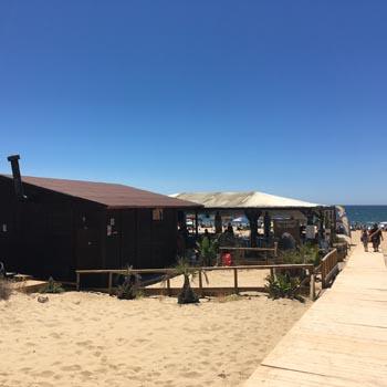 Unos 900 bares, restaurantes y chiringuitos de la costa participan en el reciclaje de vidrio