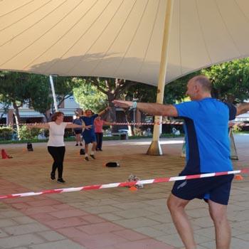 Los usuarios de los polideportivos municipales retoman su actividad al aire libre